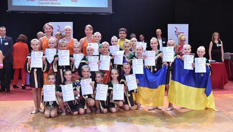 """Детская Специализированная Танцевально-Спортивная студия """"Brilliant"""""""